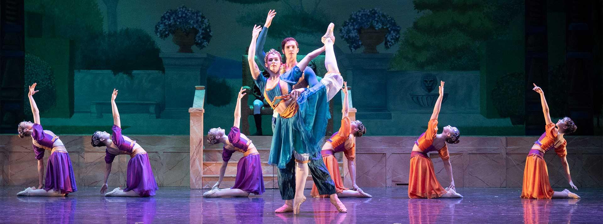 Scholarships at the Garden City Ballet - dancers on stage