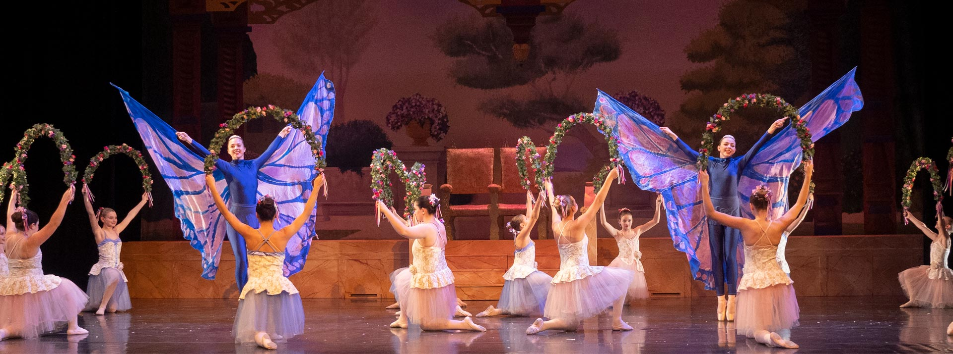 The Nutcracker stage - Details about The Nutcracker - GCB